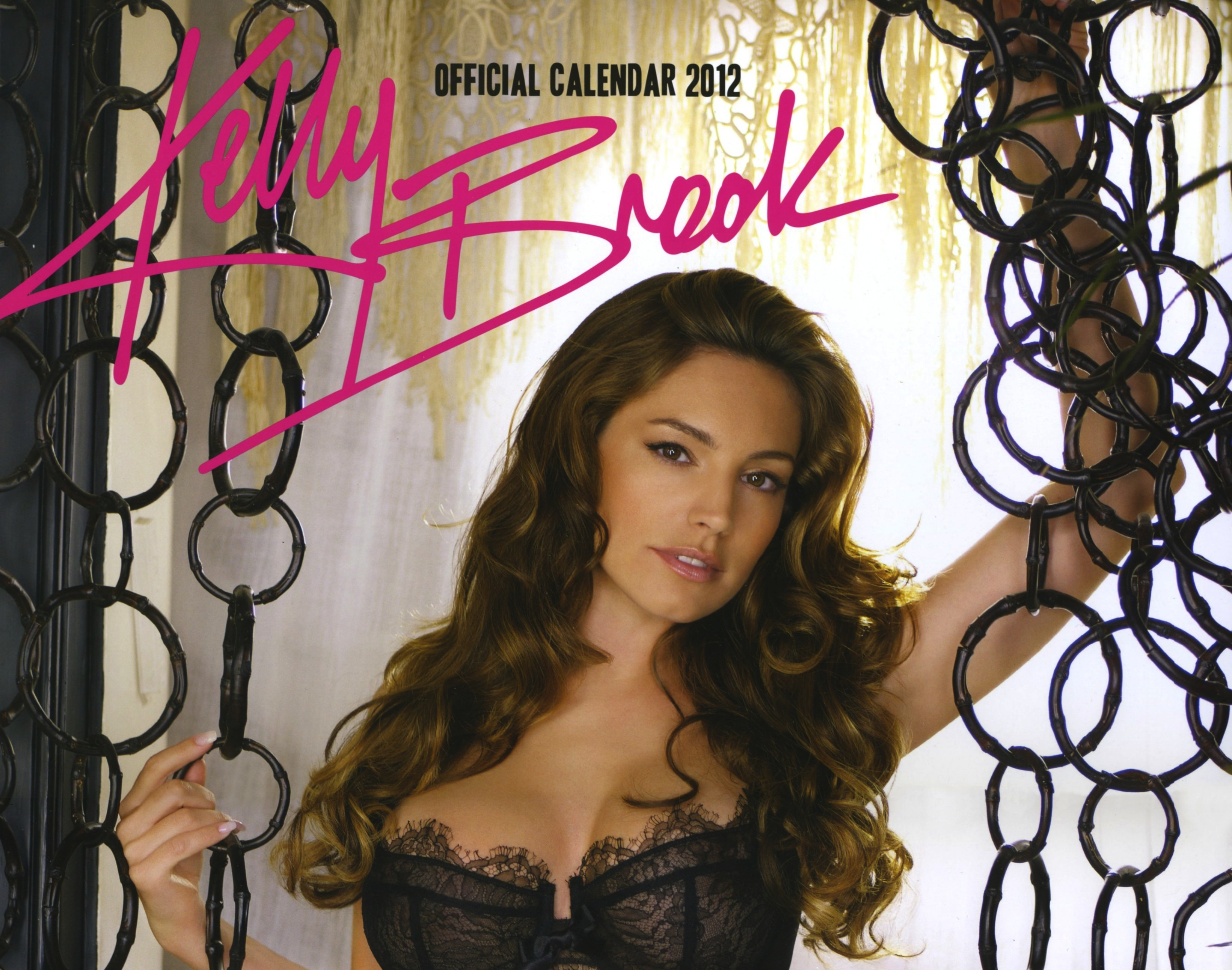 Kelly-Brook-title